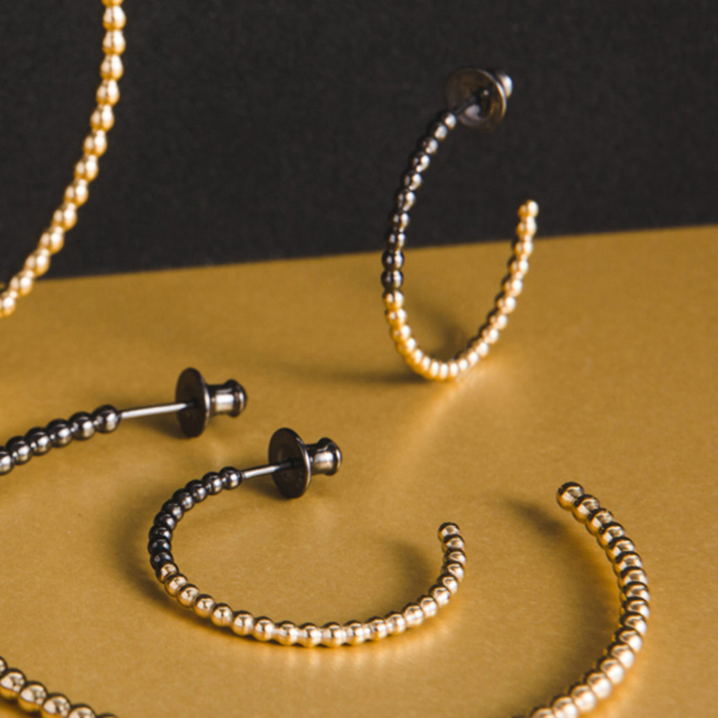 Judith Peterhoff Jewellery - BoulBoulle Two-Tone Handmade Small Hoop Earrings in Yellow Gold and Black Rhodium