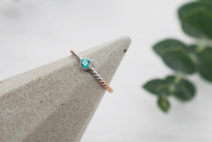 Beaded Ring with blue sapphire white and rose gold